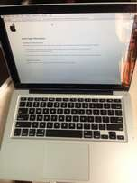Apple MacBook Pro 4gb Ram 500 Hard disk