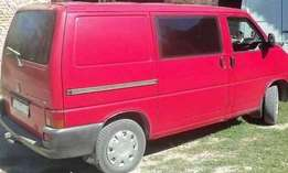 Neatly used Volkswagen Transporter T4 Diesel Engine (container body)