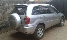 Rav4, 4WD in tip-top condition Kshs. 950,000/= (negotiable)