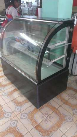 Cake chiller/cake chiller display,3level,1.2m lenght,curved glass,new City Centre - image 5