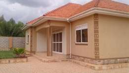 House for sale in kiira 3bedrooms with boys quarter at 250m