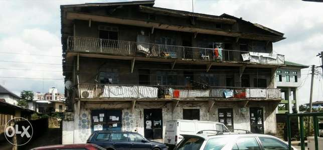 Old 2 Story building at P.H Obio/Akpor - image 5
