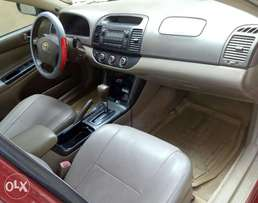 Sunday awoof Toyota Camry 2005 model with full options.