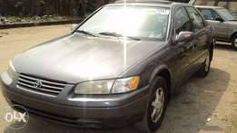 Super clean Toyota Camry 1998 tiny light