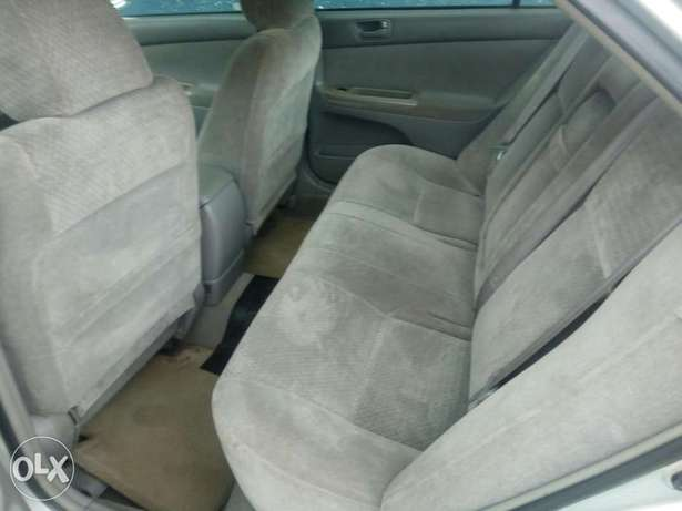 First body Camry 03 selling at 900k Uyo - image 2