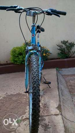 ROADMASTER mt .Sport bike for ladies Nairobi CBD - image 2