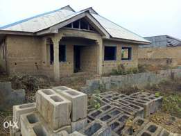 Bungalow for sale at Sango