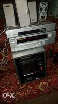 Original kenwood amplifier home theatre complete with the sorround