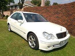 Call Haroon on 2004 Mercedes Benz C220 CDI