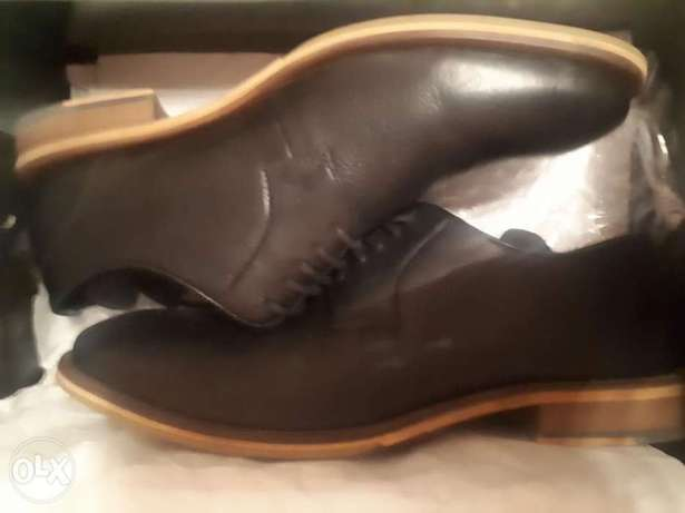 Leather Solid shoe