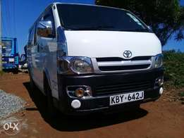 Hiace 7l diesel automatic with seats