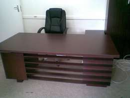 Upmarket mahogany office furniture in new condition