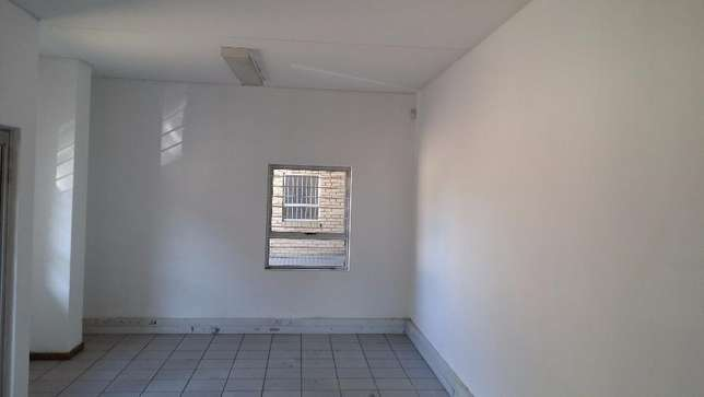 Industrial warehouse space to let Johannesburg - image 6
