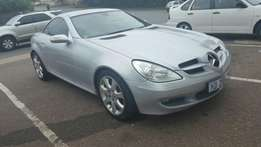 2006 SLK 350 R220 000 or nearest cash offer