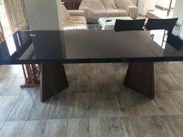 Dinning room table without chairs