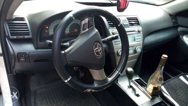 Clean used Toyota Camry spider Port Harcourt - image 3