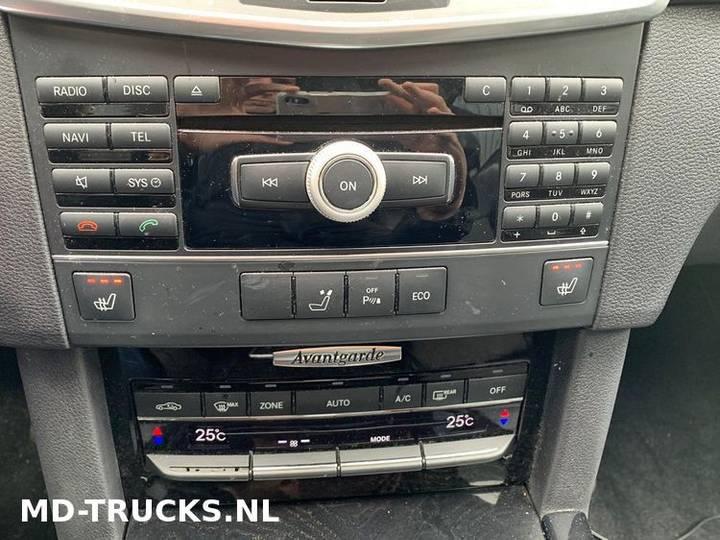 Mercedes-Benz E200 CDI - 2012 - image 11