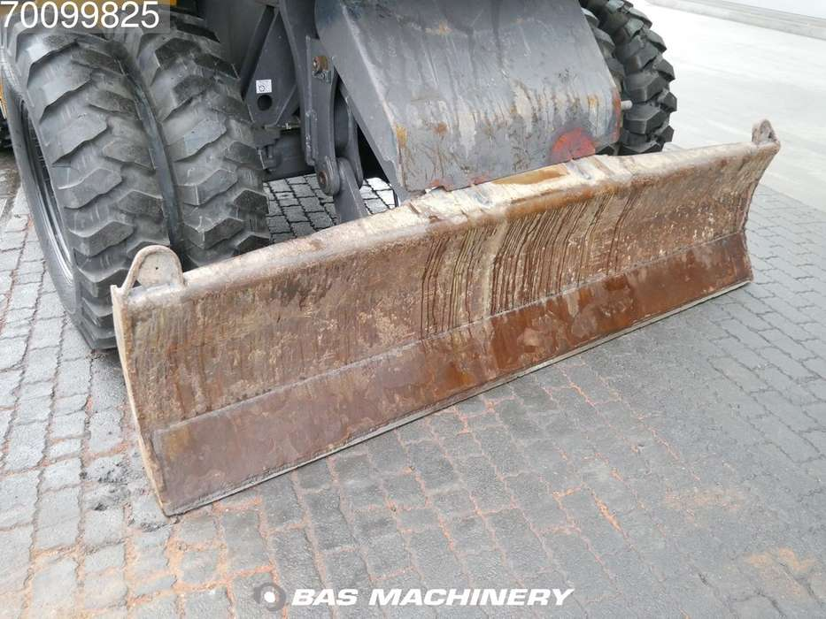 Volvo EW140C New tyres - all functions - 2010 - image 10