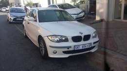 BMW 1 Series 118i Comfortline white