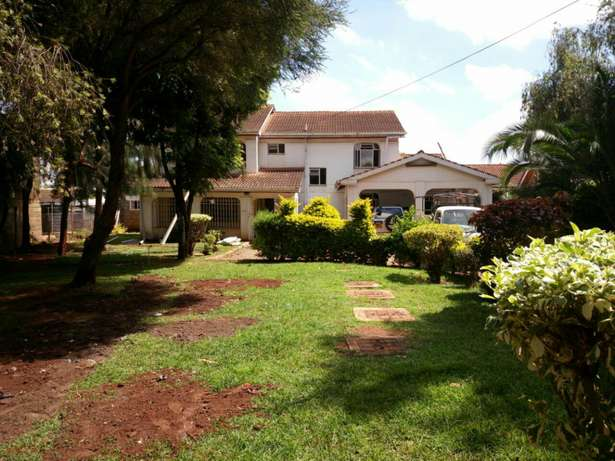 Spacious 5Bedroom Double Storey House in Mountain View Estate 150K Westlands - image 2
