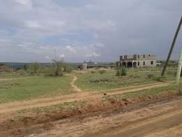 Kajiado Town 1/8 acre with Titles, water, electricity services