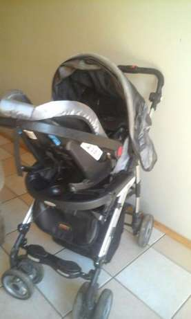 baby pram with car seat Pretoria East - image 5