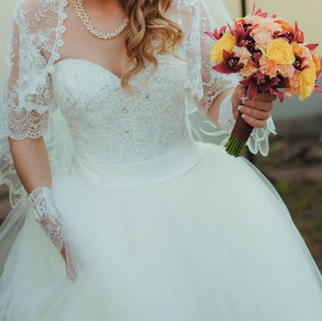 Весільне плаття  2 500 грн. - Весільні сукні Львів на Olx 9f66600b83f23