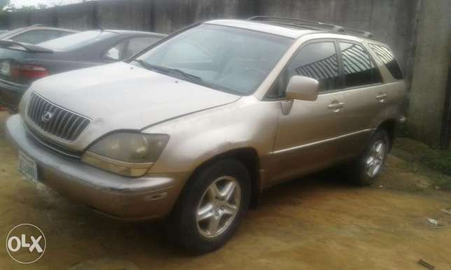 Neatly used lexus rx 300 for sale Port Harcourt - image 2