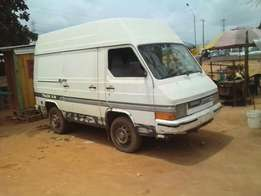 A clean tokunbo nissan trade for sale, 2000 model.