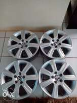 vw Polo 6 mag rims