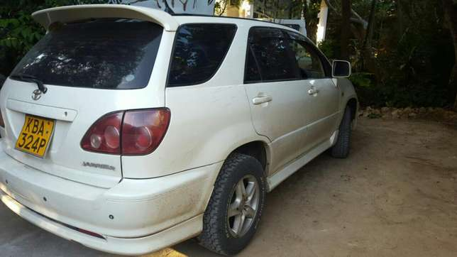 Clean and Well Maintained Harrier Old Shape 2200cc Mombasa Island - image 2
