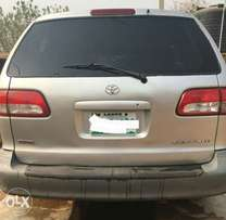A super clean 2002 Toyota Sienna auto gear for sales