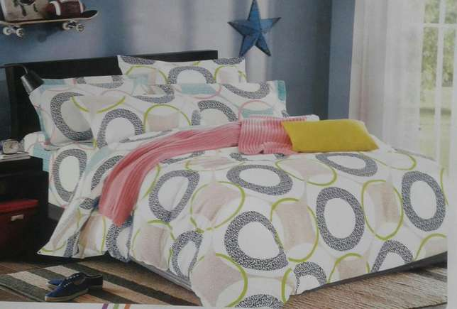 Heavy cotton duvet. Free delivery countrywide Kasarani - image 3