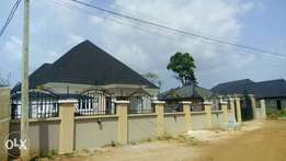 4bedroom bungalow on 100ft by120ft Airport Road l.
