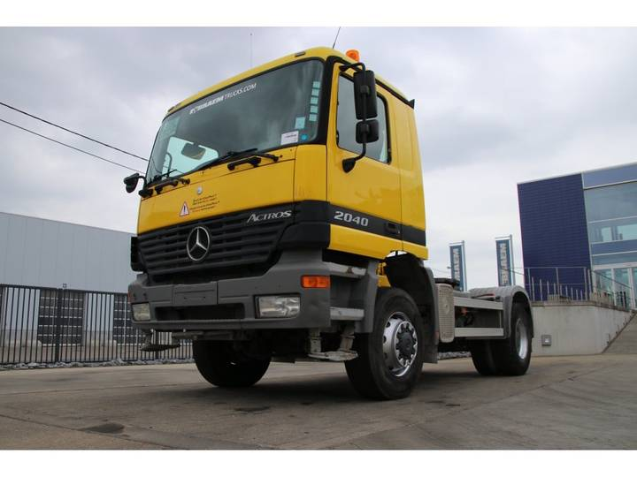 Mercedes-Benz ACTROS 2040 AS + SEMI LIEBHERR 12M3 - 2002
