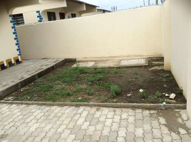 Eloquent 2 bedroom Own compound Bungalow FOR SALE Kiembeni Mombasa Island - image 3
