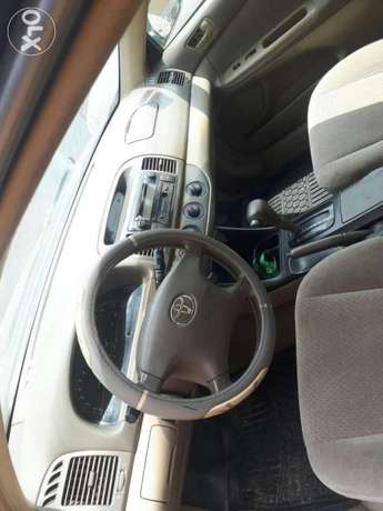 Toyota Camry LE Surulere - image 5