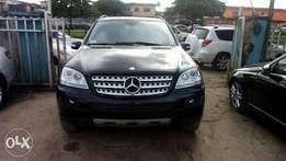 Mercedes Benz ML 320 clean for sale