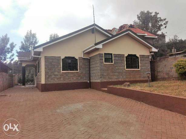 Three bedroom bungalow with a Dsq to let in Ngong Township Ngong Township - image 1
