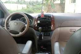Very Clean 9ja used 1st body Toyota Sienna for sale