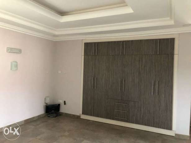 5 bedroom terrace house for rent Abuja - image 4