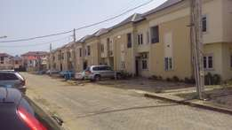 Duplex to let at Arepo