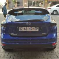 Ford Focus Ecoboost comfort line 100% good condition