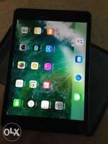 Ipad mini4, 32gb very clean like new. wifi only.