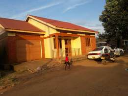 A residential house on urgent sale at 75m in namugongo mbarwa title