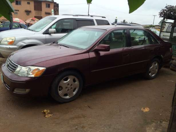 Super clean Nigeria used Toyota Avalon 2004 model. Agege - image 4