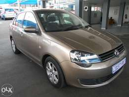 Volkswagen Polo Vivo 2014 Sedan 11,000 km 1.4 TrendLine Front Electric