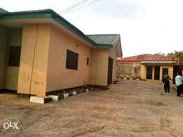 5 bedroom bungalow with mini flat bq off Ologuneru road Unity