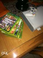 XBOX 360 for sale + 8 games