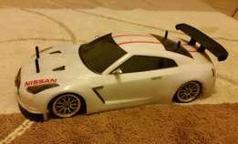 Bargain!! Complete Tamiya R/C Nissan GTR Super Stock with Remote.